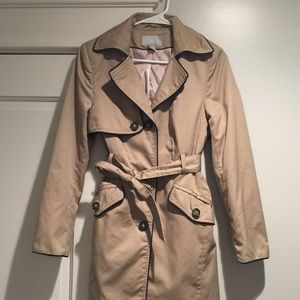 H&M trench coat black trim sz8 khaki tan EUC spy
